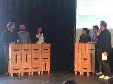 Kelly Detavernier debatteert met jongeren op Jong Kortrijk Spreekt