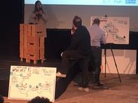 Een tekenaar maakte een live tekening van de voorstellen van de jongeren
