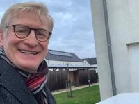 Fractieleider Philippe Dejaegher ging bonnen bussen bij de leden